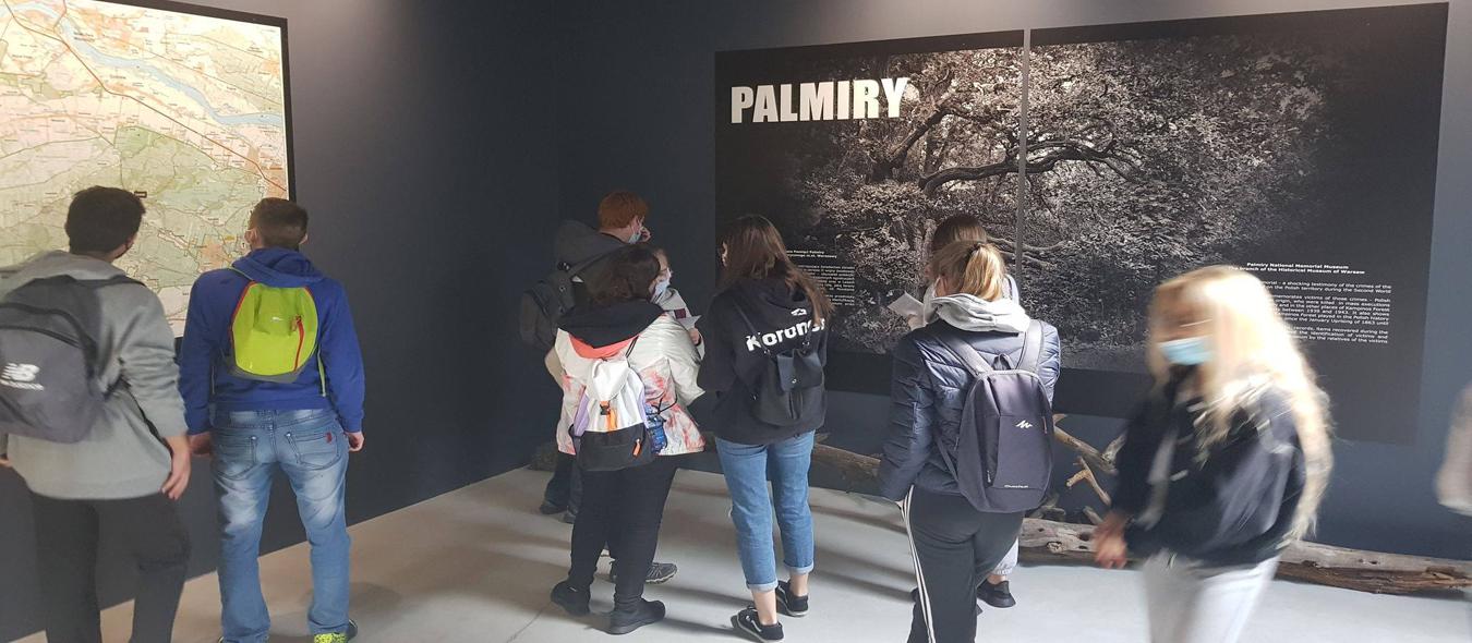 Więcej o: Przez Kampinos do Palmiry